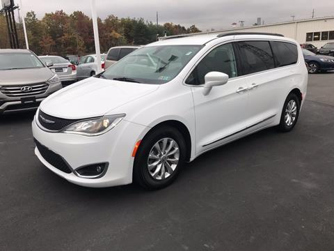 2017 Chrysler Pacifica for sale in Pittston PA