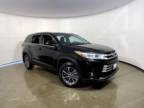 2019 Toyota Highlander for sale in Madison, WI
