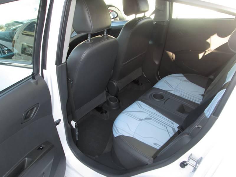 2016 Chevrolet Spark EV 1LT (image 23)
