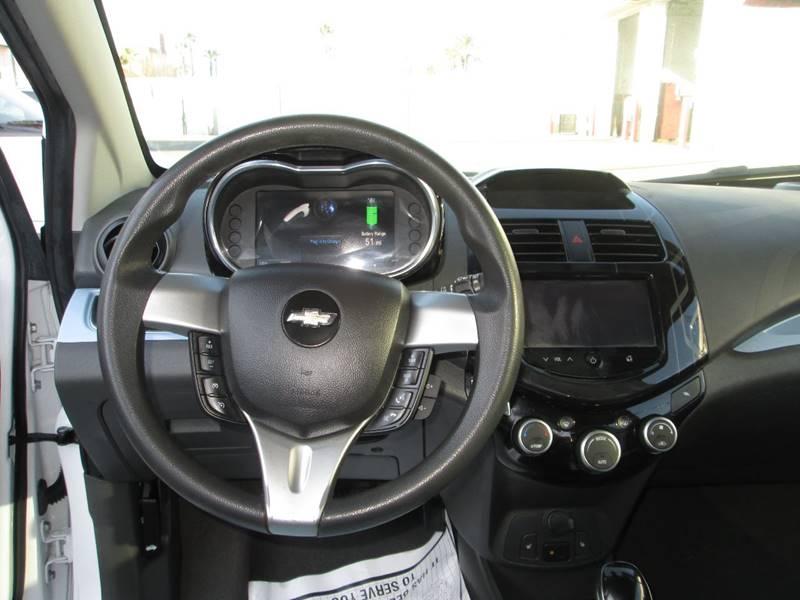 2016 Chevrolet Spark EV 1LT (image 6)