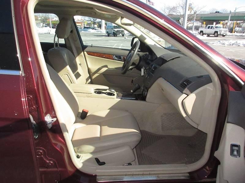 2009 Mercedes-Benz C-Class AWD C 300 Luxury 4MATIC 4dr Sedan - Somerville MA