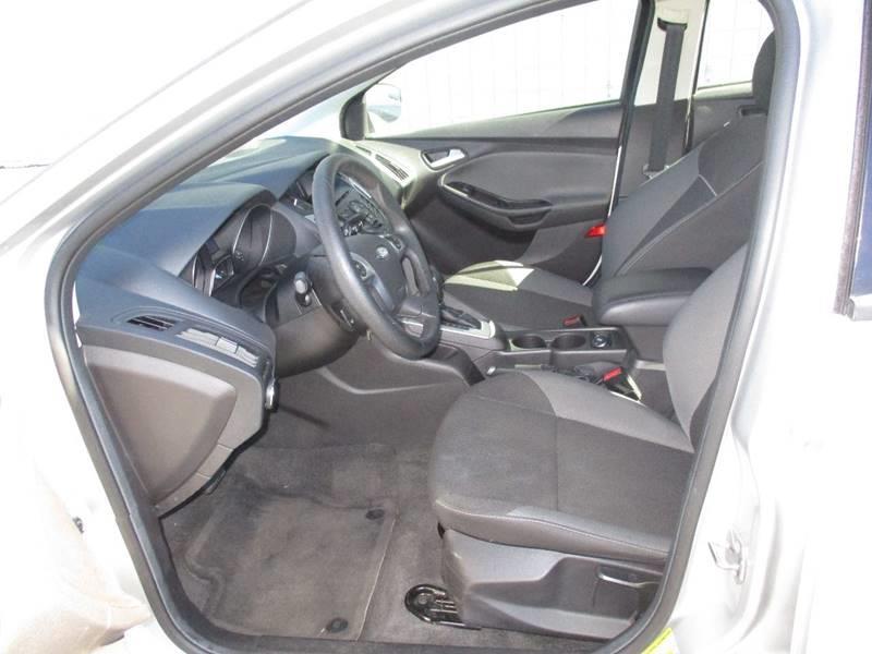 2014 Ford Focus SE 4dr Sedan - Somerville MA