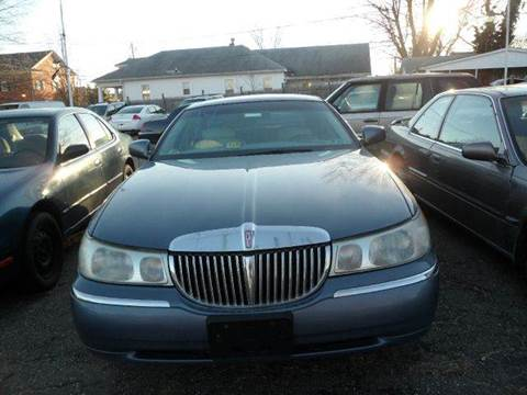 2001 Lincoln Town Car for sale in Winchester, VA