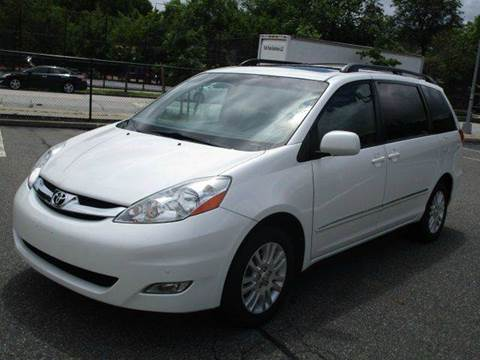 2009 Toyota Sienna for sale at HI CLASS AUTO SALES in Staten Island NY