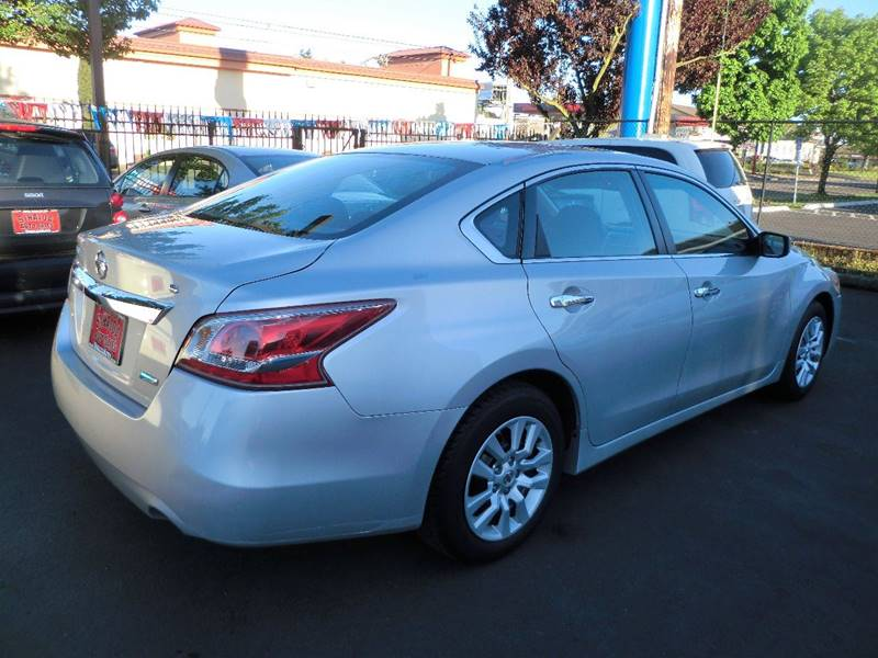 2013 Nissan Altima 2.5 S 4dr Sedan - Salem OR