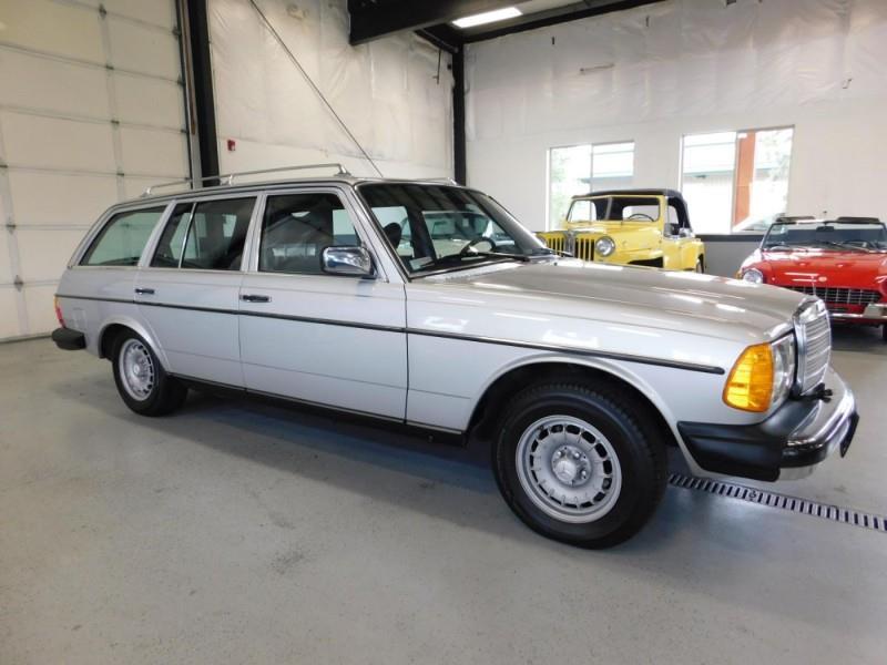 1979 Mercedes-Benz 300TD Wagon 3