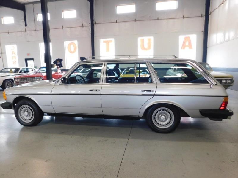 1979 Mercedes-Benz 300TD Wagon 6