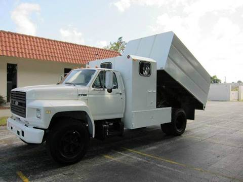 1992 Ford F700 TREE TRIMING DUMP TRUCK for sale in Pompano Beach, FL