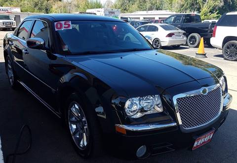 2005 Chrysler 300 for sale at VISTA AUTO SALES in Longmont CO