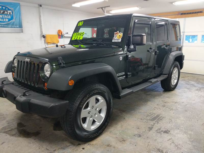 2011 Jeep Wrangler Unlimited for sale at BOLLING'S AUTO in Bristol TN