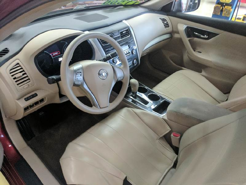 2013 Nissan Altima 2.5 S 4dr Sedan - Bristol TN
