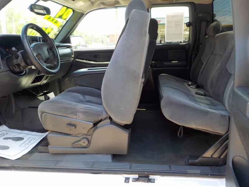 2004 Chevrolet Silverado 2500HD 4dr Extended Cab LS 4WD LB - Council Bluffs IA