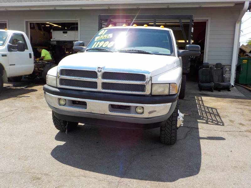 2001 Dodge Ram Pickup 3500 2dr Standard Cab ST 4WD LB - Council Bluffs IA