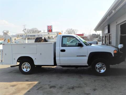 2005 GMC Sierra 2500HD for sale at Steffes Motors in Council Bluffs IA