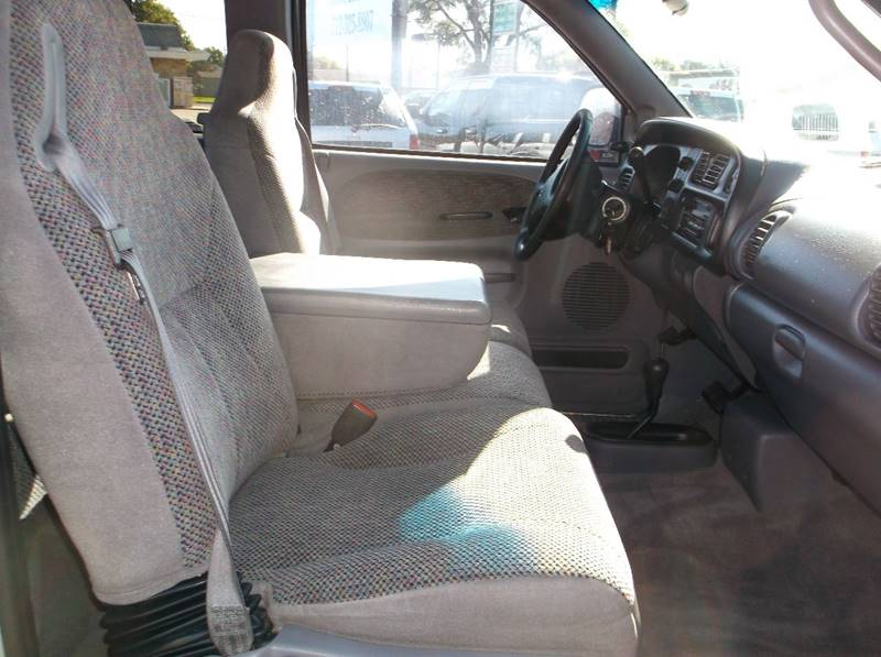 2001 Dodge Ram Pickup 2500 4dr Quad Cab SLT 4WD SB - Council Bluffs IA