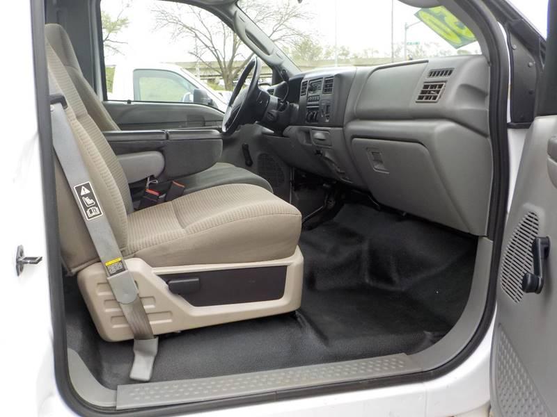 2003 Ford F-250 Super Duty 2dr Standard Cab XL 4WD LB - Council Bluffs IA
