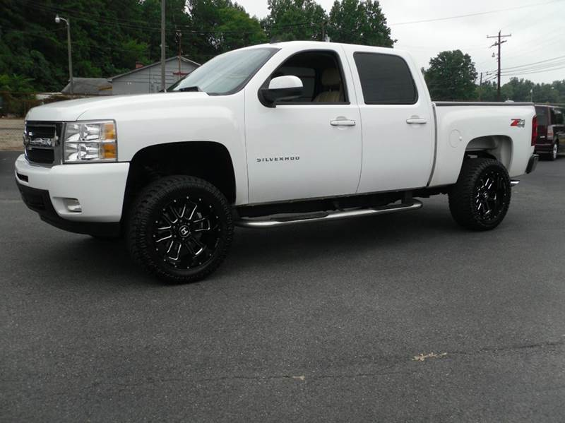 2009 Chevrolet Silverado 1500 for sale at Brown's Used Auto in Belmont NC