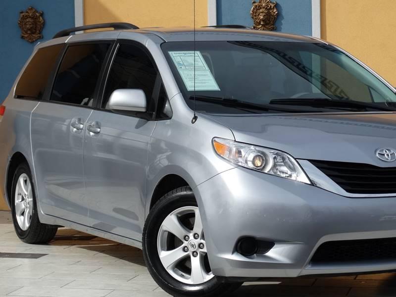 2014 Toyota Sienna LE 7-Passenger Auto Access Seat 4dr Mini-Van - Lexington KY