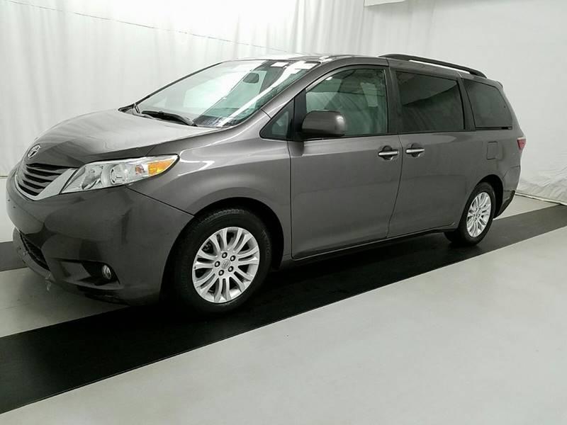 2015 Toyota Sienna XLE 7-Passenger Auto Access Seat 4dr Mini-Van - Lexington KY