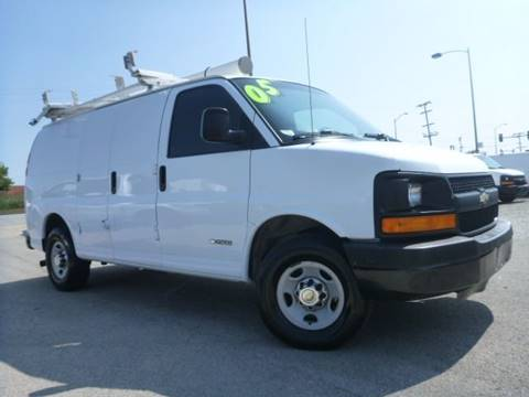 2005 Chevrolet Express Cargo for sale in Summit, IL