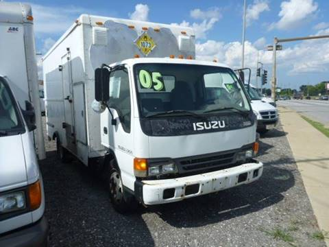 2005 Isuzu NQR for sale in Summit, IL