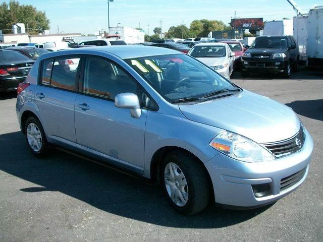 2011 Nissan Versa 18 S Hatchback In Summit IL