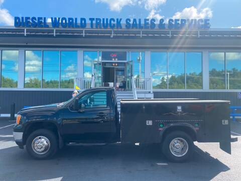 2014 GMC Sierra 3500HD CC for sale at Diesel World Truck Sales in Plaistow NH