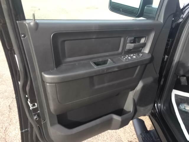 2017 RAM Ram Pickup 1500 4x4 Express 4dr Crew Cab 5.5 ft. SB Pickup - Sidney NE