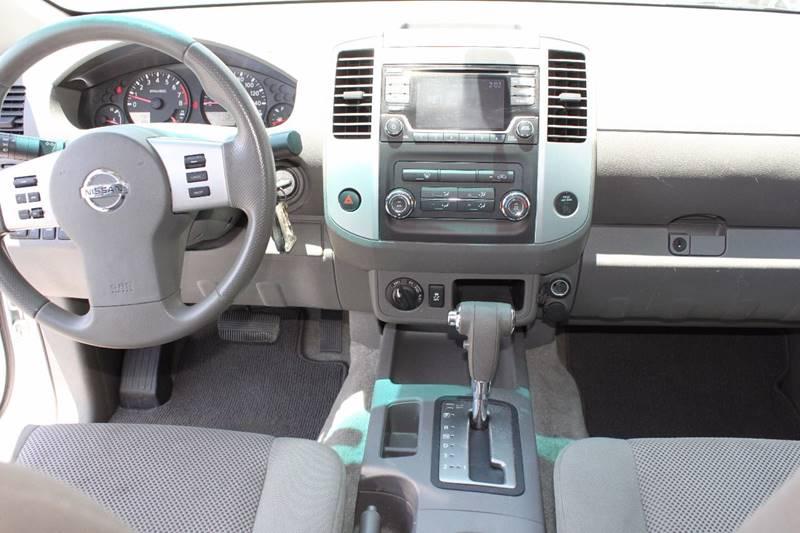 2016 Nissan Frontier 4x4 SV 4dr Crew Cab 5 ft. SB Pickup 5A - Sarasota FL