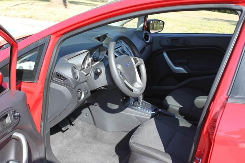 2013 Ford Fiesta SE 4dr Hatchback - Sarasota FL