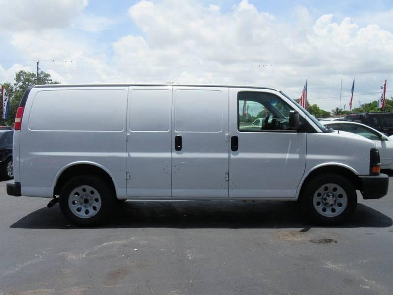 2009 Chevrolet Express Cargo 1500 3dr Cargo Van - Miami FL