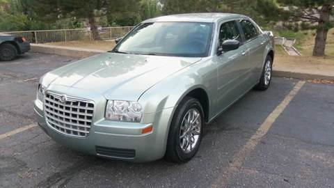 2005 Chrysler 300 for sale at QUEST MOTORS in Englewood CO