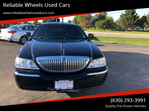 2007 Lincoln Town Car for sale at Reliable Wheels Used Cars in West Chicago IL