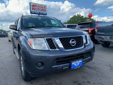 2012 Nissan Pathfinder for sale at Eagle Motors in Hamilton OH
