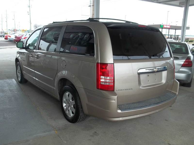 2009 Chrysler Town and Country Touring Mini-Van 4dr - Louisville KY