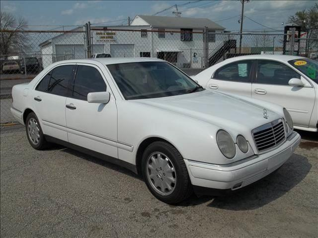 1999 mercedes benz e class e320 in louisville ky niki for Mercedes benz louisville