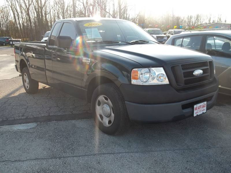 2006 Ford F-150 XLT 2dr Regular Cab Styleside 8 ft. LB - Louisville KY