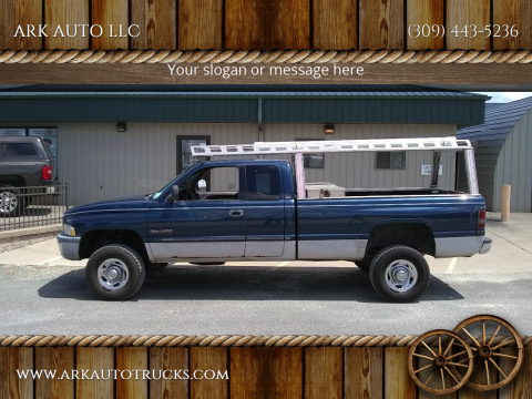 2001 Dodge Ram Pickup 2500 for sale at ARK AUTO LLC in Roanoke IL