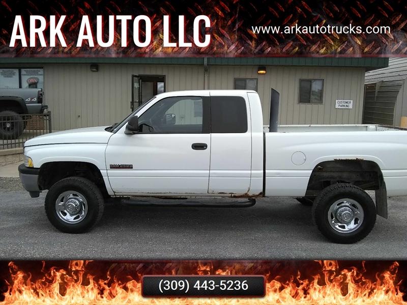 2002 Dodge Ram Pickup 2500 for sale at ARK AUTO LLC in Roanoke IL