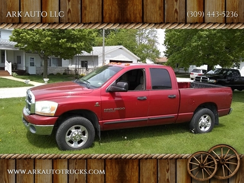 2006 Dodge Ram Pickup 2500 for sale at ARK AUTO LLC in Roanoke IL
