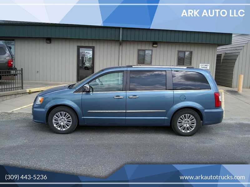 2012 Chrysler Town and Country for sale at ARK AUTO LLC in Roanoke IL