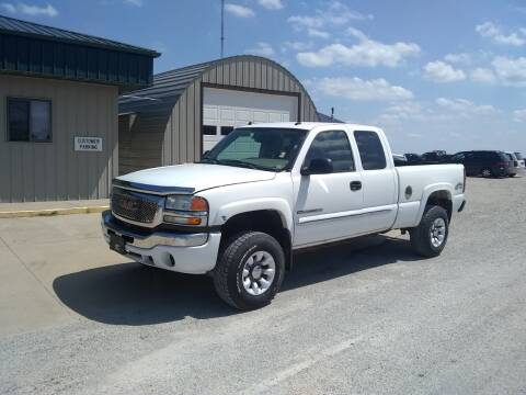 2004 GMC Sierra 2500HD for sale at ARK AUTO LLC in Roanoke IL