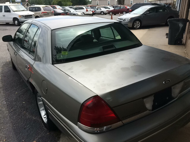 1999 Ford Crown Victoria LX 4dr Sedan - Greenville SC