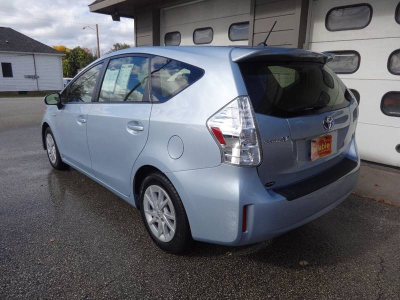 2014 Toyota Prius v Two 4dr Wagon - Sturgeon Bay WI