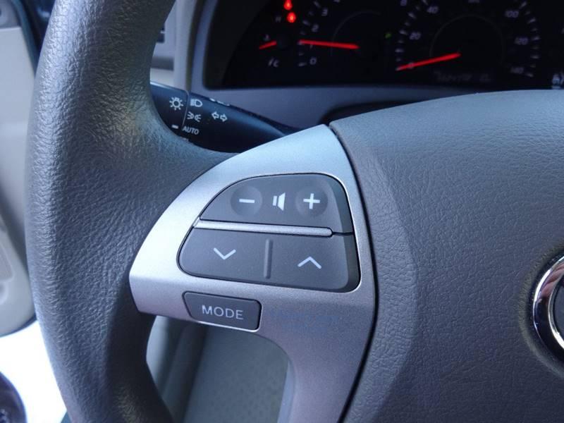 2010 Toyota Camry LE 4dr Sedan 6A - Sturgeon Bay WI