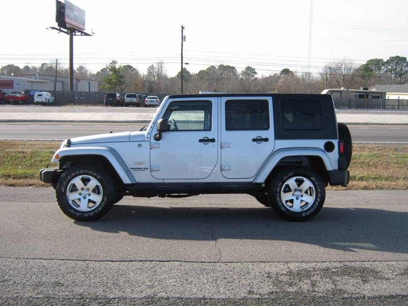 2009 jeep wrangler unlimited 4x4 sahara 4dr suv in albertville al junior compton motors. Black Bedroom Furniture Sets. Home Design Ideas