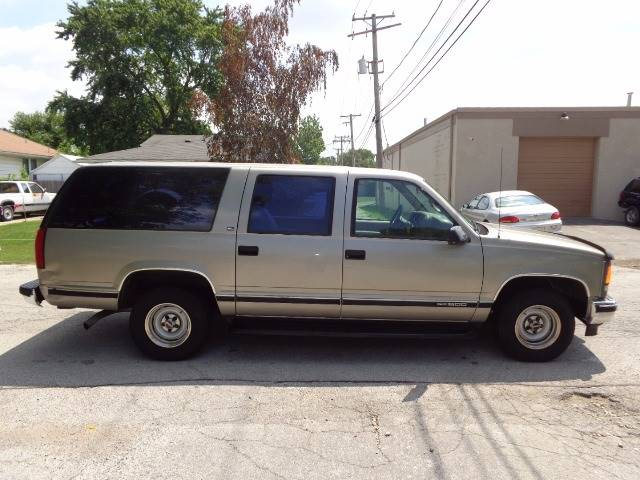 1999 GMC Suburban for sale at Mr.C's AutoMart in Midlothian IL