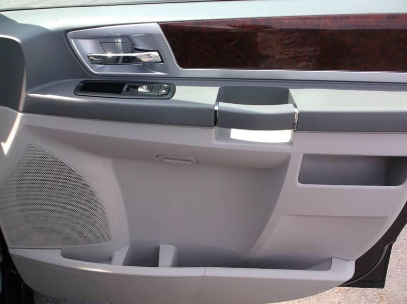 2010 Chrysler Town and Country Touring 4dr Mini-Van - Lake Hopatcong NJ