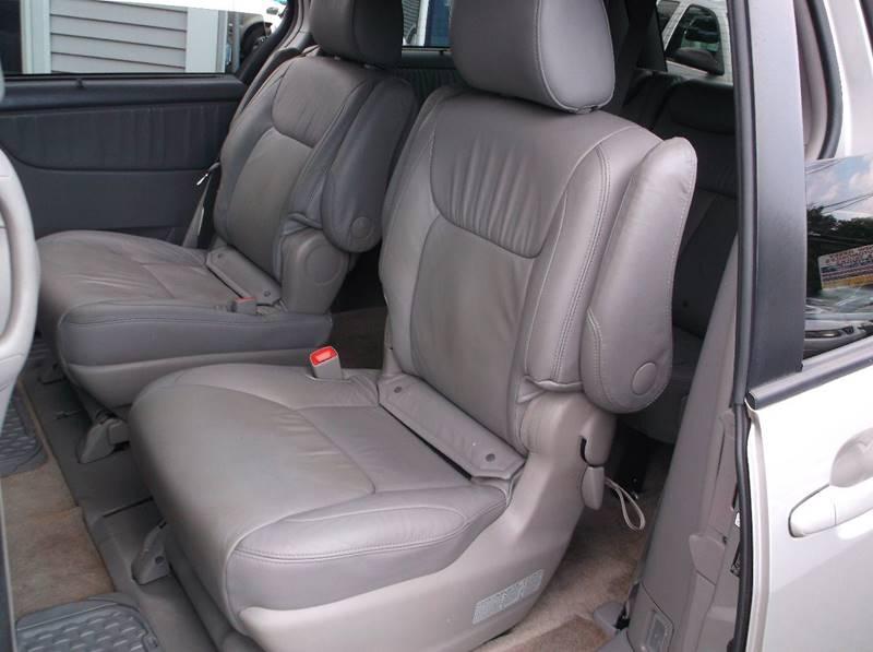 2009 Toyota Sienna Limited 7-Passenger 4dr Mini-Van - Lake Hopatcong NJ