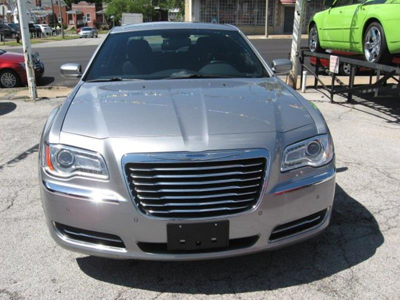 2014 Chrysler 300 for sale at Vogue Motor Company Inc in Saint Louis MO